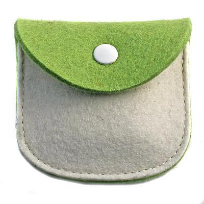 Filz Etui grün/weiß