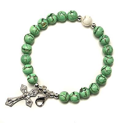 Armspange mit Kreuz, grün marmoriert
