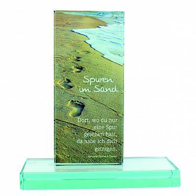 Glasstele 'Spuren im Sand'