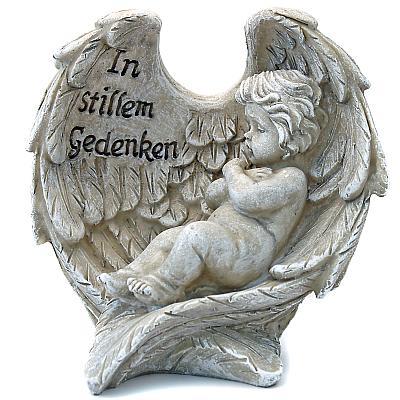 Grabschmuck Kind in Engelflügel