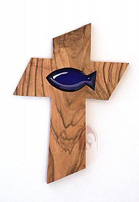 Olivenholzkreuz mit blauem Fisch