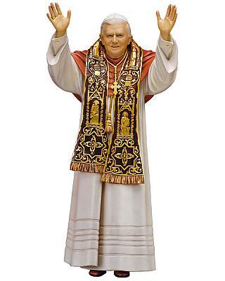 Papst Benedikt XVI, Holz