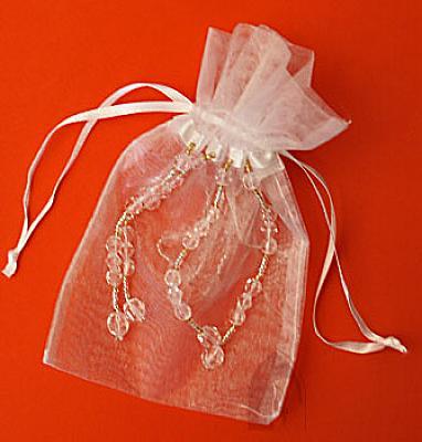 Rosenkranzbeutel aus Organza, weiß mit Perlen