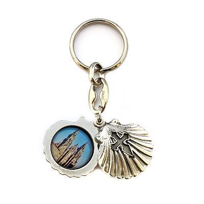 Schlüsselanhänger 'Hl. Jakob' in Jakobsmuschel, grau (Graues Kreuz)